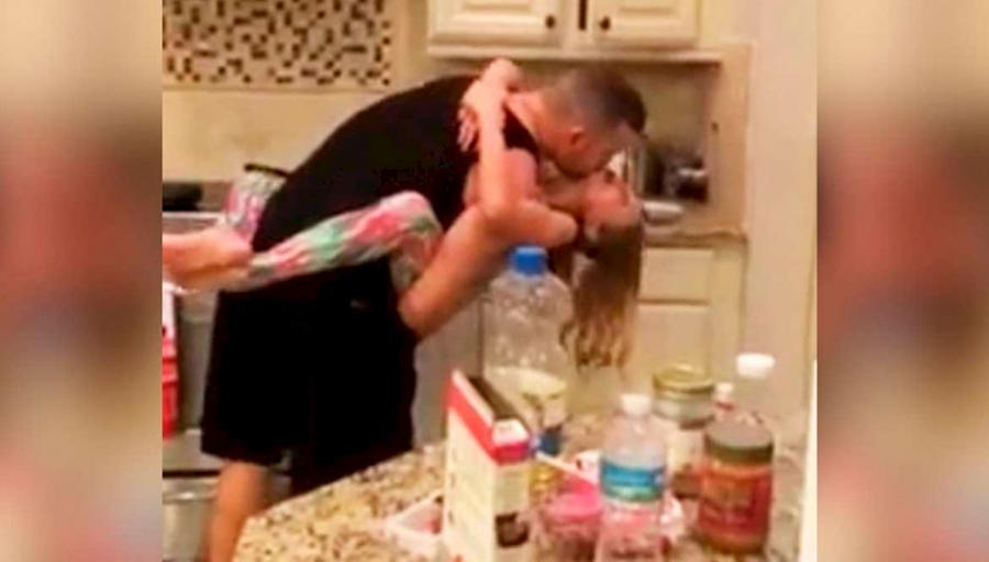 Она думала, что муж с дочкой готовят ужин, зашла на кухню и увидела ЭТО