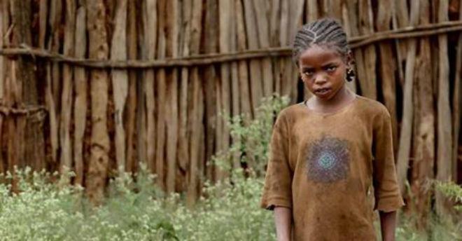 12-летнюю девочку похитила группа из 7 мужчин. Полицейские удивились, увидев тех, кто находился рядом с ней все это время!