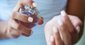 Как закрепить аромат духов на весь день? Очень простой трюк! Теперь пользуюсь только так