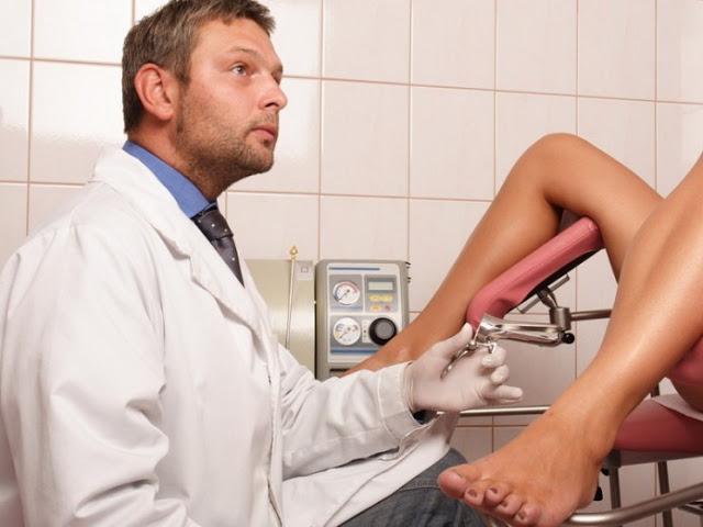 Женщина засмущалась на приеме у мужчины-гинеколога и он решил разрядить обстановку