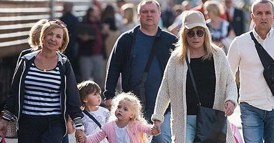 Тайное становится явным: открылись причины секретной поездки Пугачевой и Галкина с детьми на Кипр