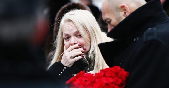 Анастасия Стоцкая почувствовала себя плохо,а Лариса Долина окаменела от горя на похоронах Юлии Началовой